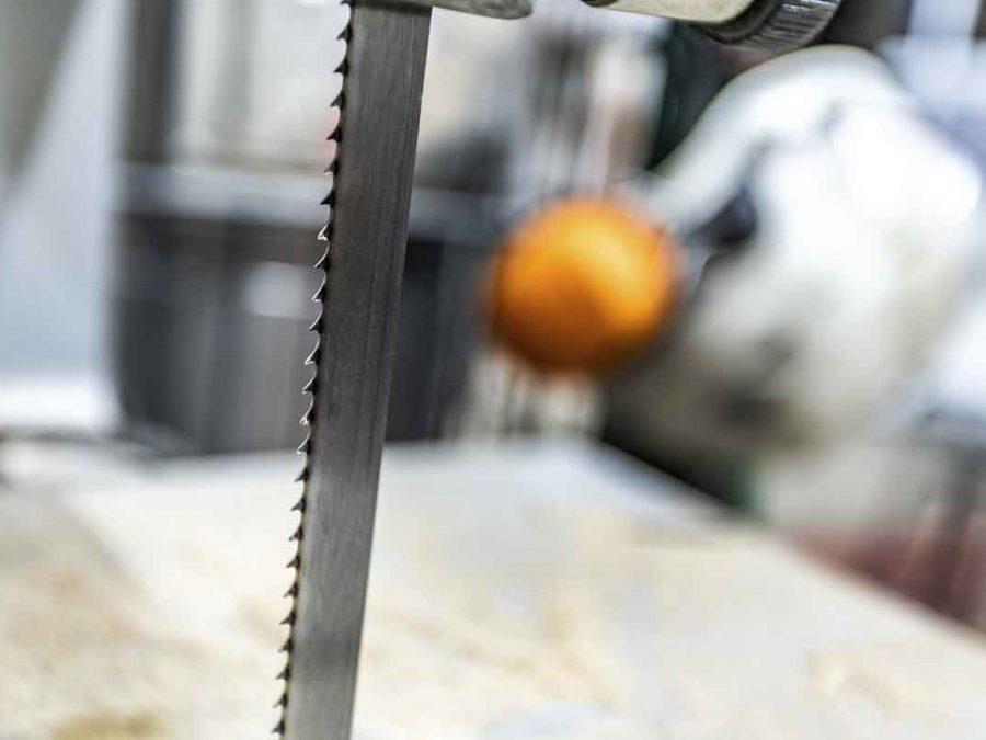 Bandsäge in der neuen Betriebsstätte vom Hennefer Baumdienst.