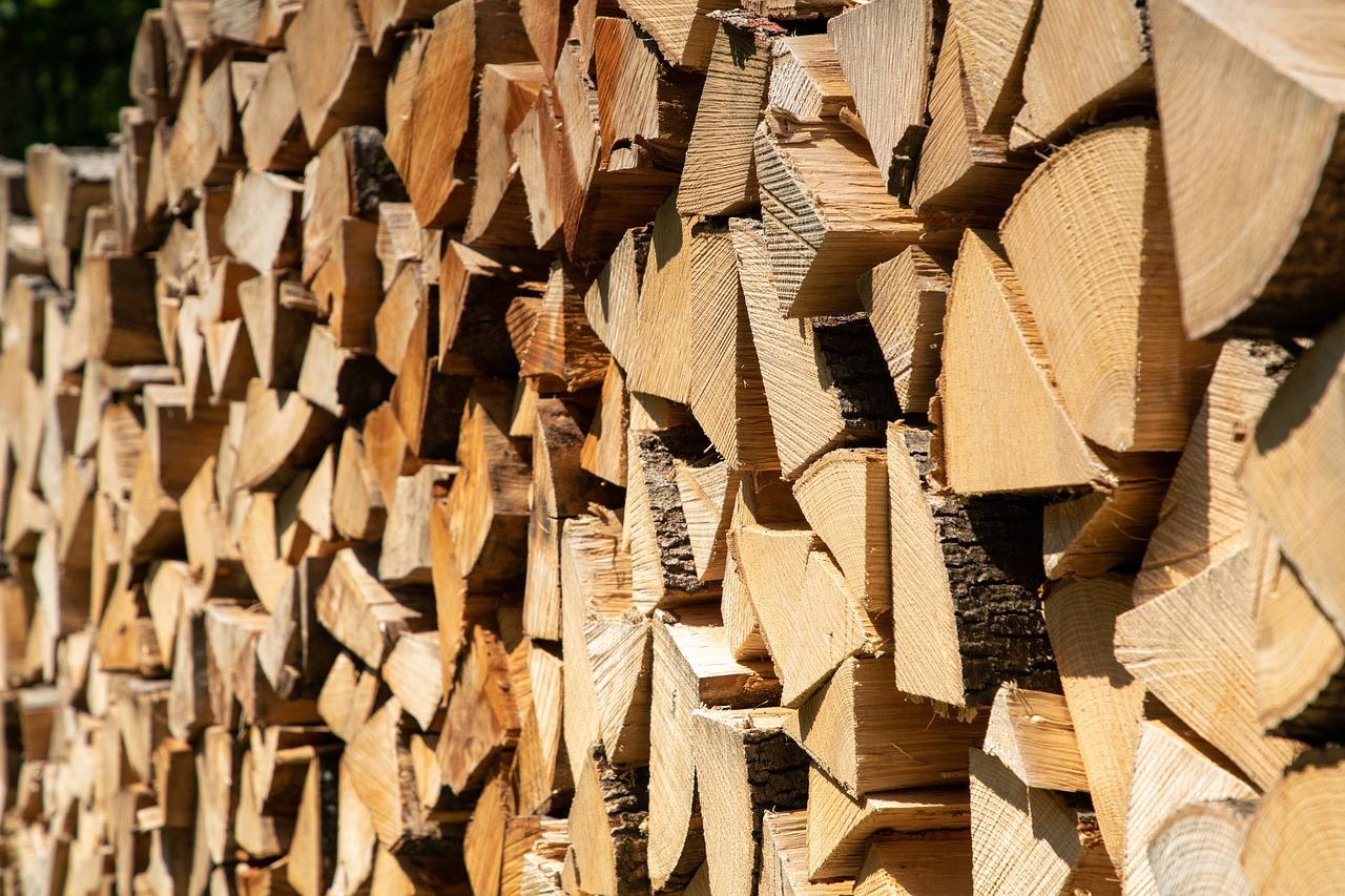 Kaminholz und Brennholz in bester Qualität